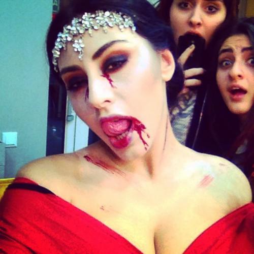 Роза Аль-Намри показала фото в образе на Хэллоуин