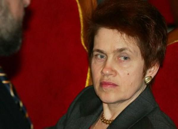 Людмила Янукович долго работала на производстве