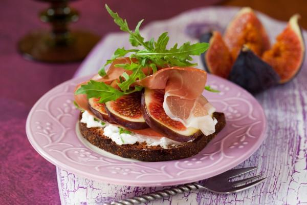 Бутерброд с инжиром