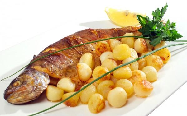 Блюда из рыбы с картошкой в духовке рецепты