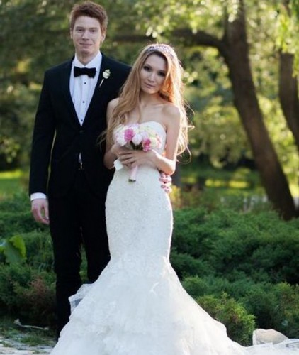 Никита Пресняков уже сыграл тренировочную свадьбу, а с настоящей решил подождать