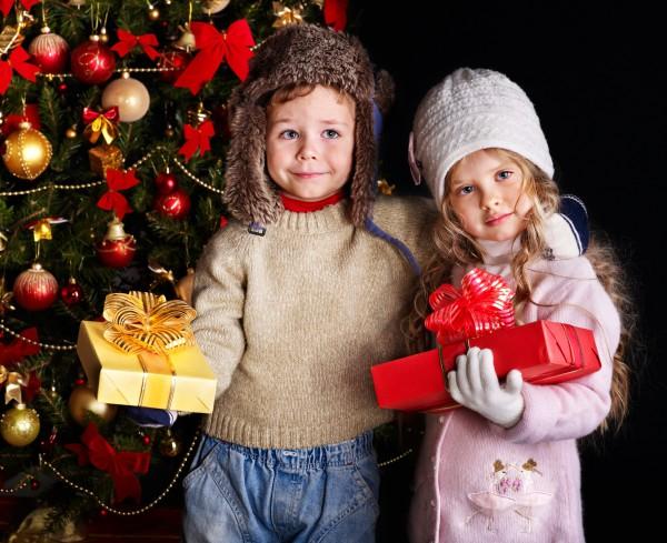 Подарки на Новый год: 15 добрых и полезных детских игр