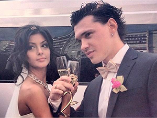 Солист популярной группы женился