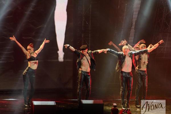 Группа Kazaki открывала церемонию своим выступлением