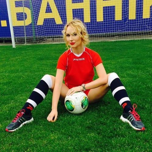 Ксения Бугримова приняла участие в фотопроекте