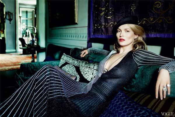Кейт Мосс украсила страницы декабрьского номера Vogue US