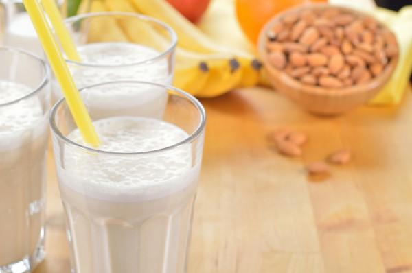 Рецепт                  Полезный молочный напиток с овсянкой
