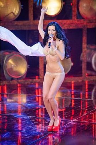 На шоу Хочу в ВИА Гру эпатировала 26-летняя Юлианна Полуботко