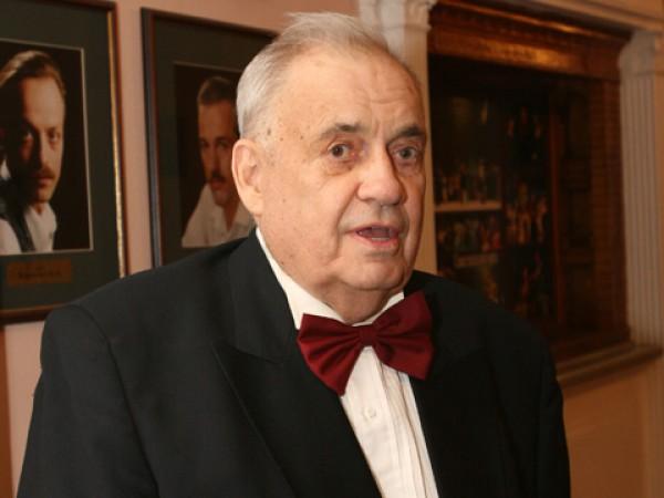 Эльдар Рязанов попал в реанимацию