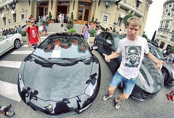Украинский певец Иван Дорн решил не отставать от других знаменитостей