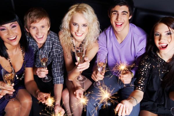 Новый год можно встретить и без электричества, главное, с хорошим настроением
