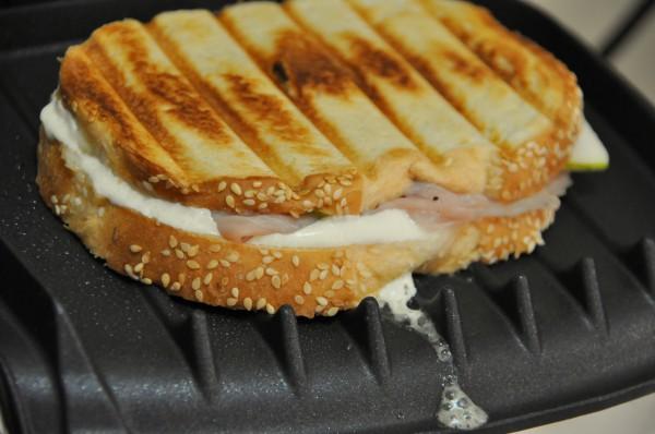 Сэндвич на гриле
