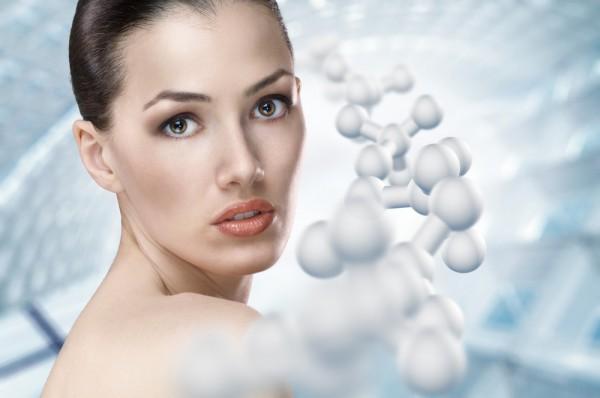 Через несколько лет морщины с лица будут исчезать также легко, как и макияж