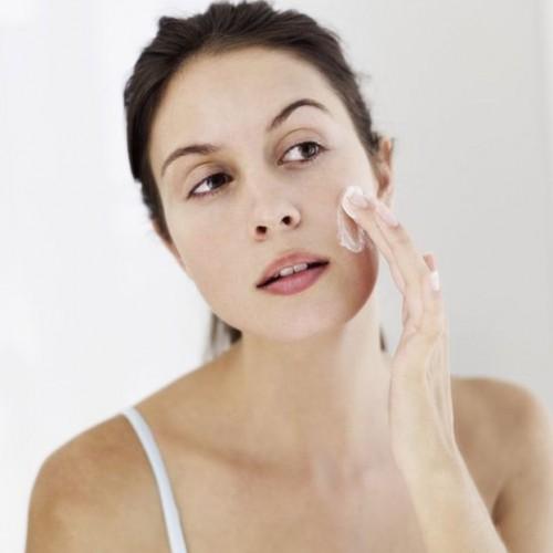 Летом важно правильно очищать кожу
