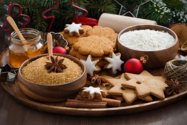 Имбирное печенье считается одним из главных символов зимних праздников