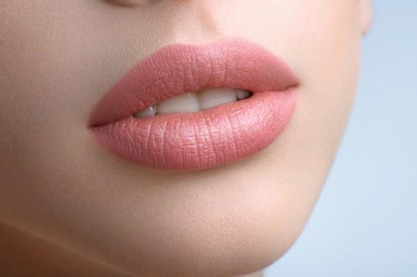 Безопасные способы увеличения объема губ