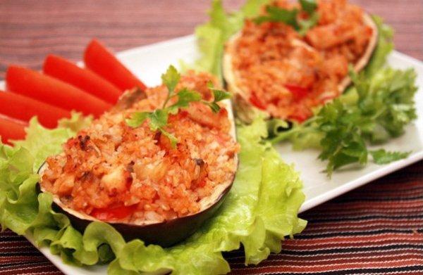 Рецепт                  Баклажаны, фаршированные курицей и рисом