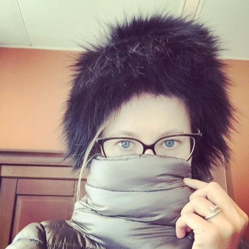 Ксения Собчак прикрыла ноздри