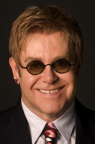 Элтон Джон личным приглашением позвал президента Эстонии на концерт