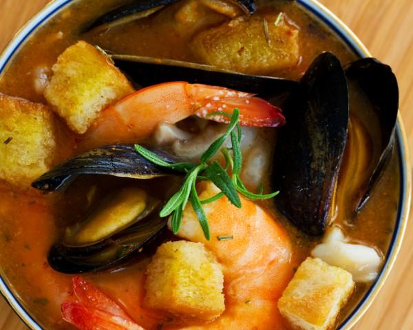 Рецепт                  Уха из морепродуктов с зеленью