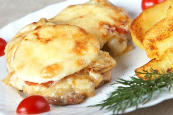 Рецепт                  Новогодние рецепты: Мясо по-французски с ананасами