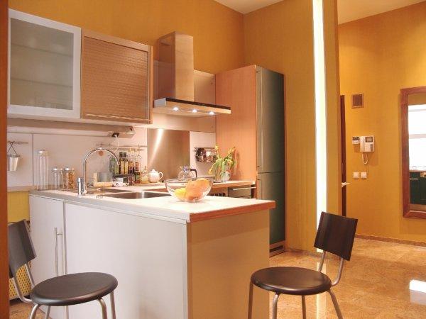 Кухня, совмещенная с коридором