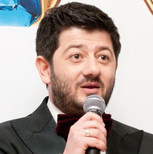 Михаил Галустян запел