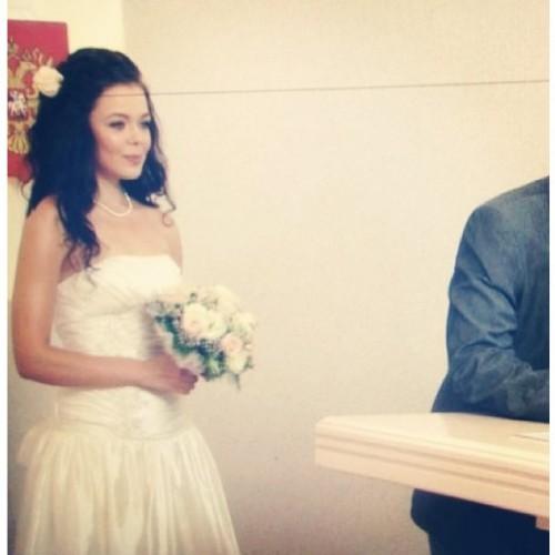 Алина Гросу заинтриговала поклонников фото со свадьбы