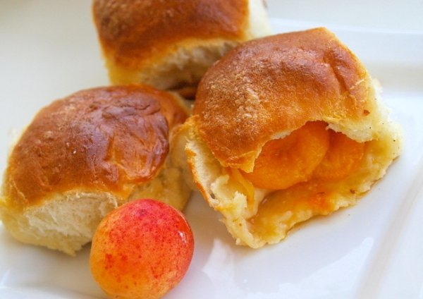 Рецепт                  Летний завтрак: Булочки с абрикосами