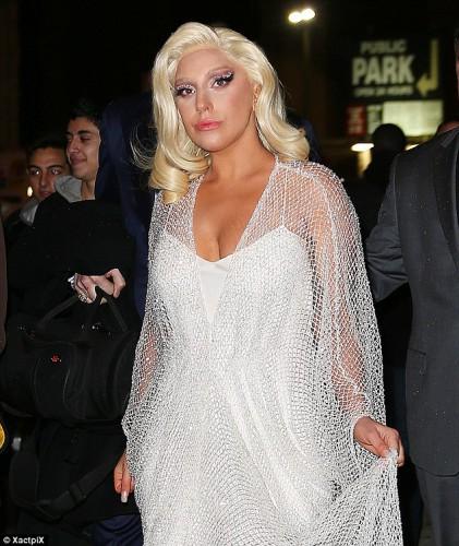 Lady Gaga появилась на публике в необычном для себя образе