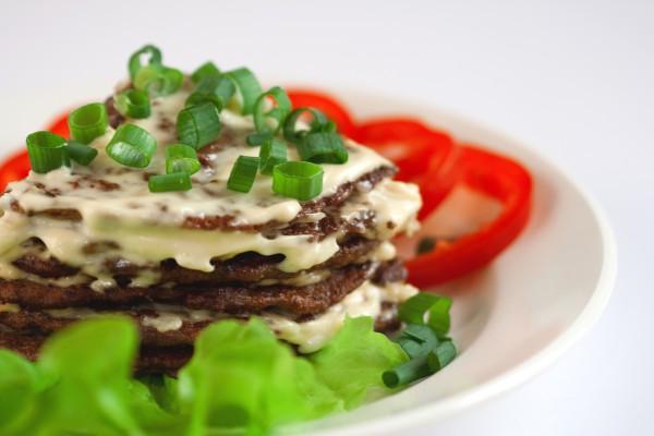 Рецепт                  Печеночный торт под сырной корочкой