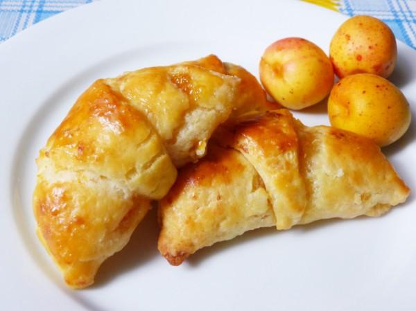 Рецепт                  Рогалики с абрикосами
