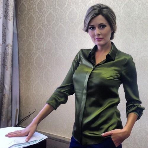 Мария Кожевникова в парике