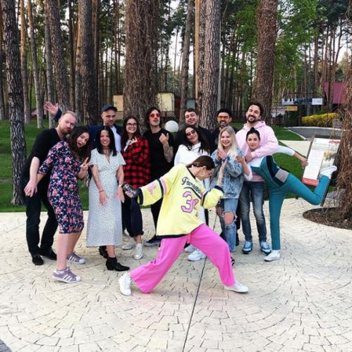 Надя Дорофеева с друзьями фото