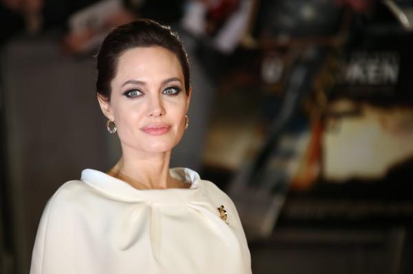 Анджелина Джоли обсудила с детьми татуировки