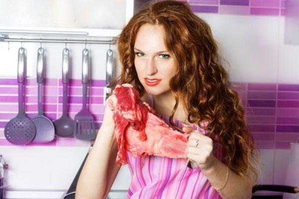 Красное мясо медленно переваривается, а это неблагоприятно сказывается и на нашей нервной системе