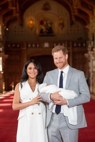 Принц Гарри и Меган Маркл впервые показали первенца
