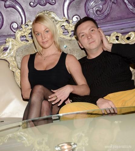 Волочкова вышла в свет с новым мужчиной