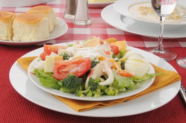 Рецепт                  Легкий салатик с крабовым мясом