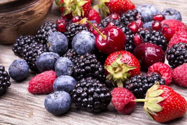Risultati immagini per полезные ягоды на ивона