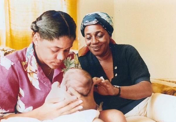 Маленькая Меган Маркл с мамой Дорией и бабушкой Джанетт