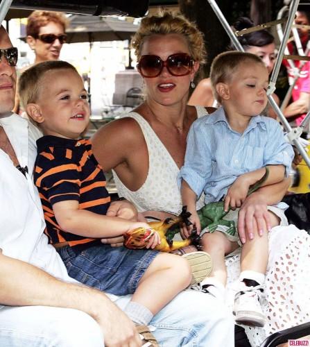 Бритни Спирс и Кевин Федерлейн воспитывают двоих сыновей