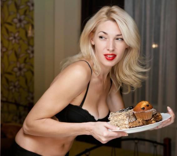 Западная диета: обилие сладостей, жареных блюд, красного мяса, белого хлеба, масла и сливок негативно влияет на состояние здоровья и увеличивает риск преждевременной смерти