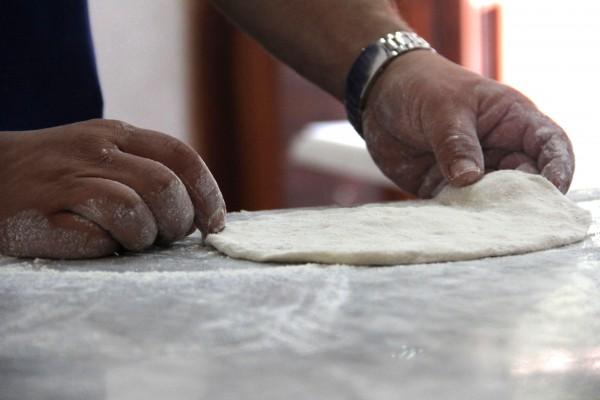 Тесто желательно готовить на муке с высоким содержанием белка