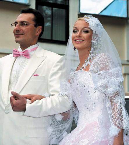 Анастасия Волочкова скандалит с Игорем Вдовиным из-за его долгов перед ней