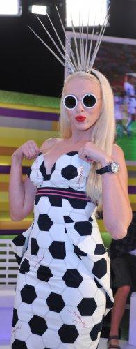 Оля Полякова любит носить сексуальные платья