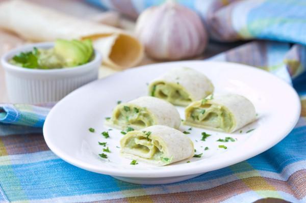 Рецепт                  Рулет из лаваша с огурцом и плавленым сыром
