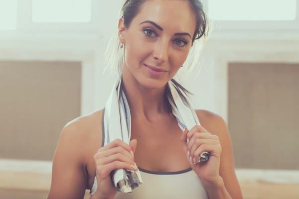 Узнай, как женщине накачать трицепс в домашних условиях