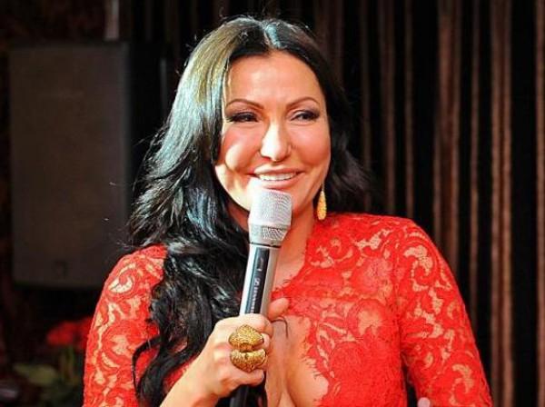 Юлия Айсина закрутила страсный роман