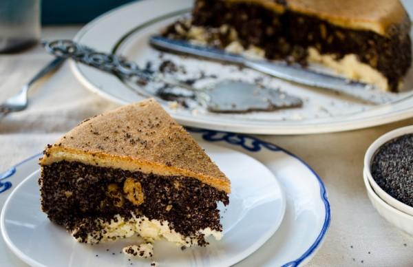 Пирог с ореховой и маковой начинками
